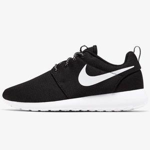 Nike Roshe One sneakers 6.5